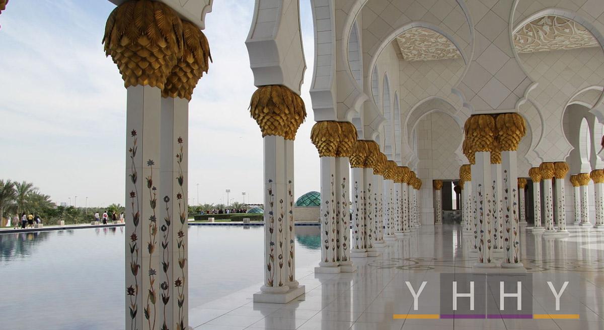 Интерьер мечети шейха Зайда в Абу-Даби
