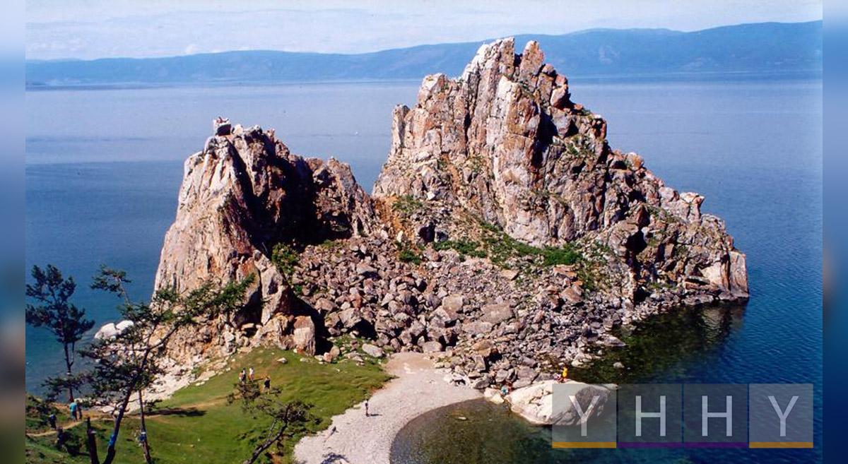 Скала Шаманка, остров Ольхон