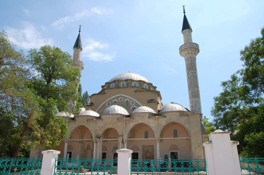 Банк России отчеканит монету с изображением соборной мечети г. Евпатория